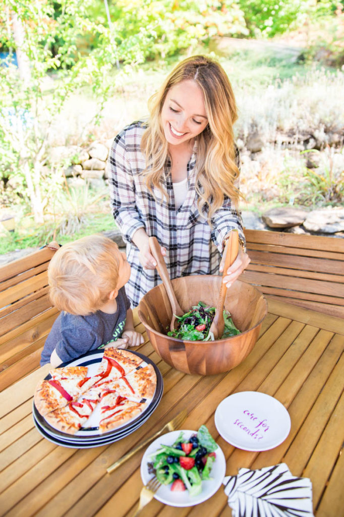 Outdoor Dining with Bed, Bath & Beyond: Homemade Pizza Dough & Salad Recipe Decor Food Lifestyle Recipes