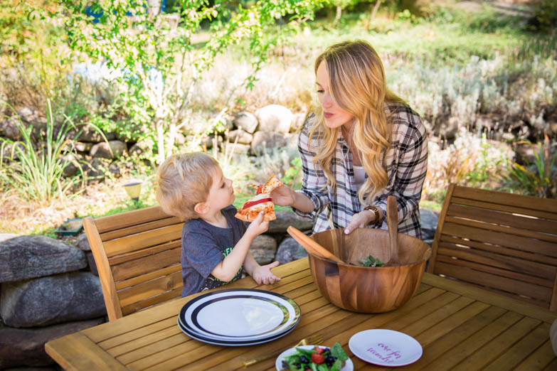 Outdoor Dining with Bed, Bath & Beyond: Homemade Pizza Dough & Salad Recipe Decor Food Living Recipes